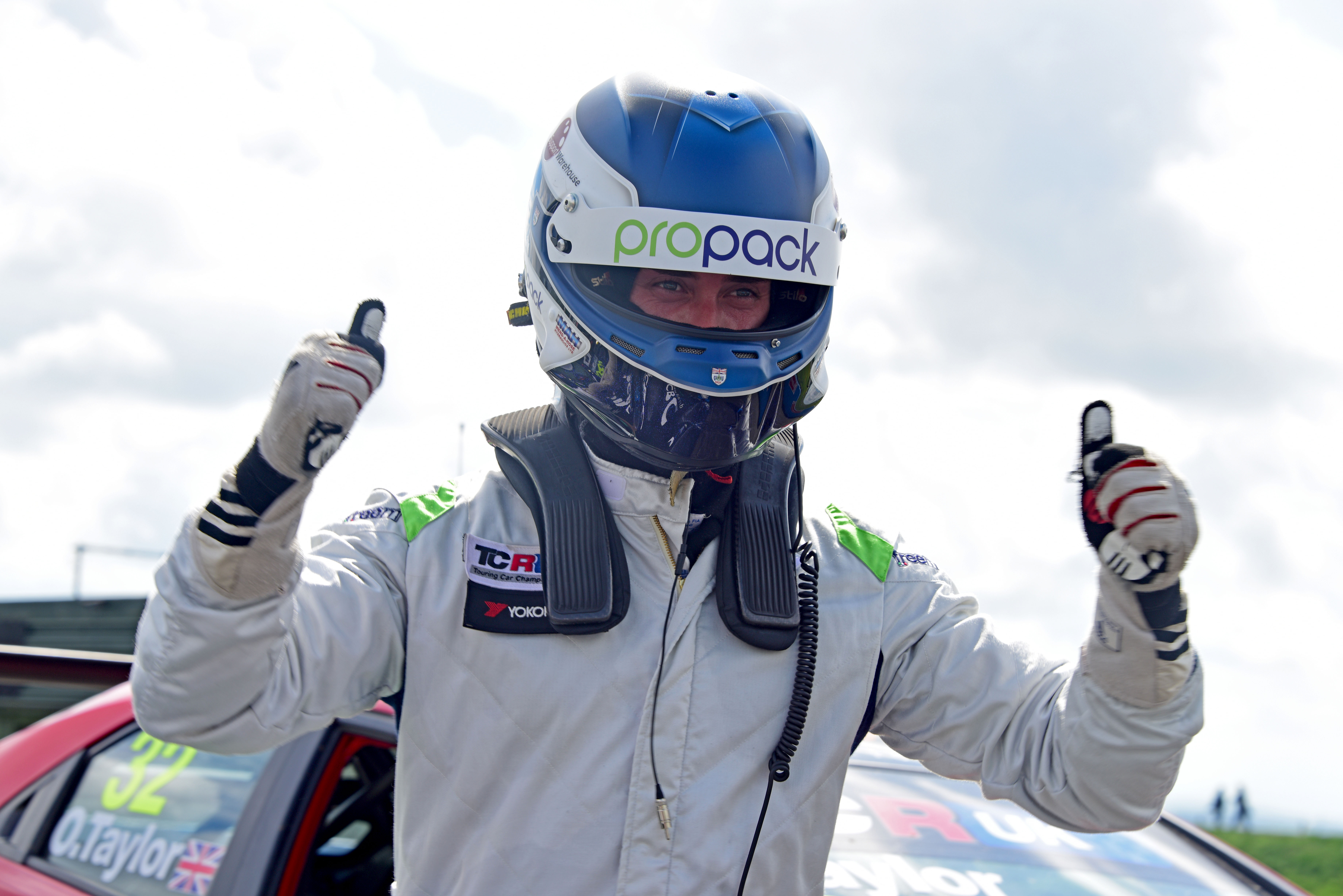 Lloyd reigns supreme at Knockhill
