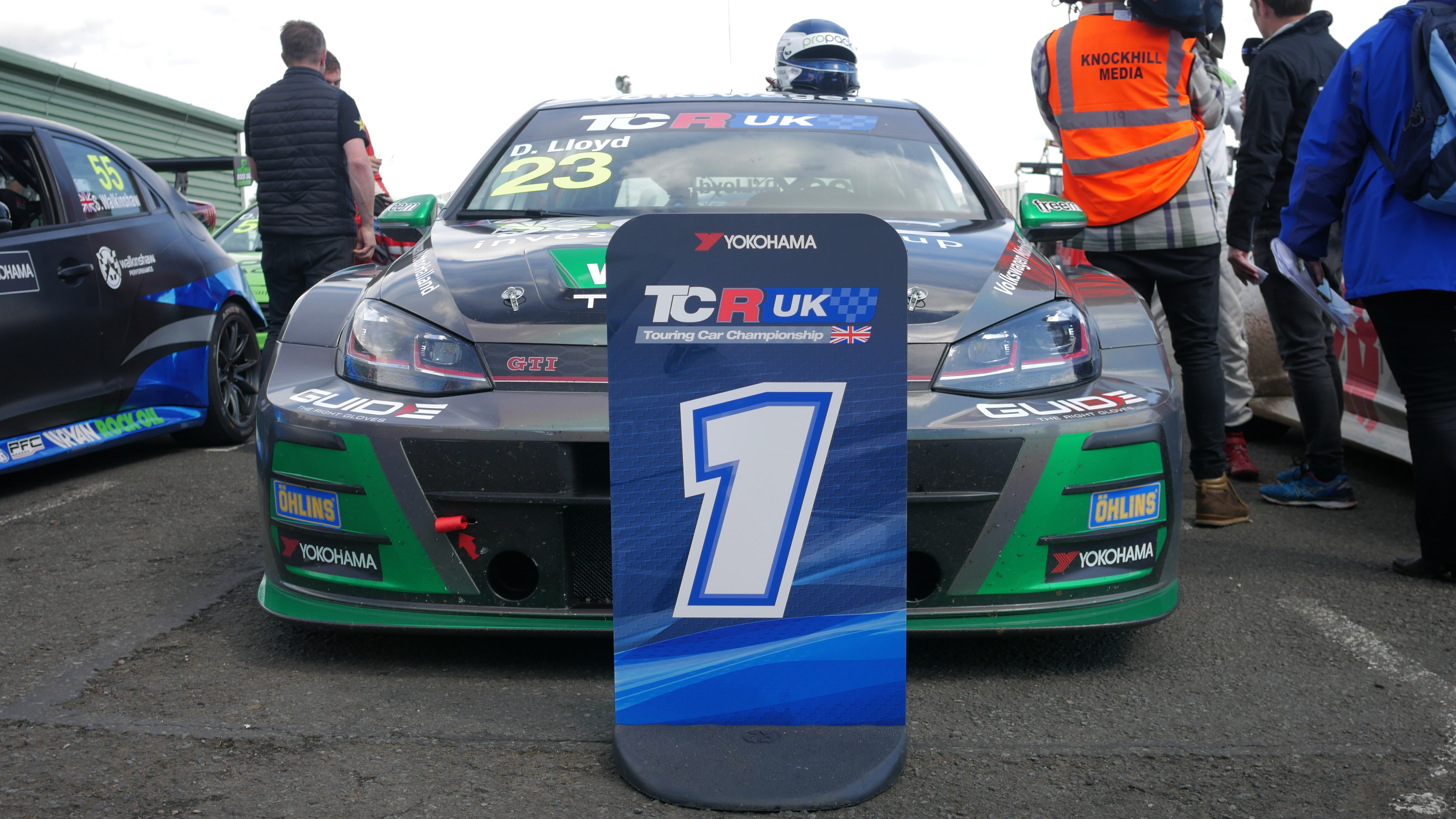 Lloyd does the TCR UK double at Knockhill