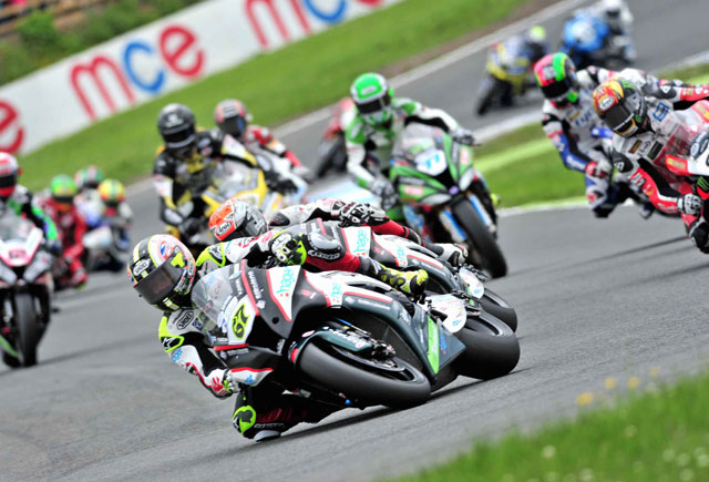 BSB - MCE British Superbike Championship - Superbikes at Knockhill